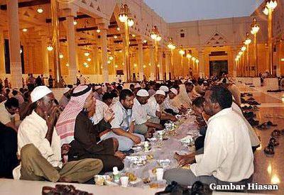 http://www.ahmadrushdi.com/wp-content/uploads/2008/09/buka-puasa.jpg