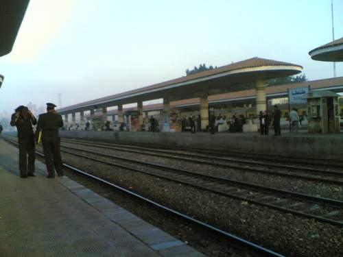 Pagi Di Perhentian Keretapi